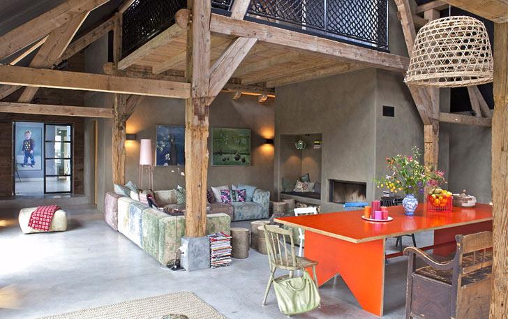 Комфортная обстановка в загородном доме: интерьер  деревенского Кантри